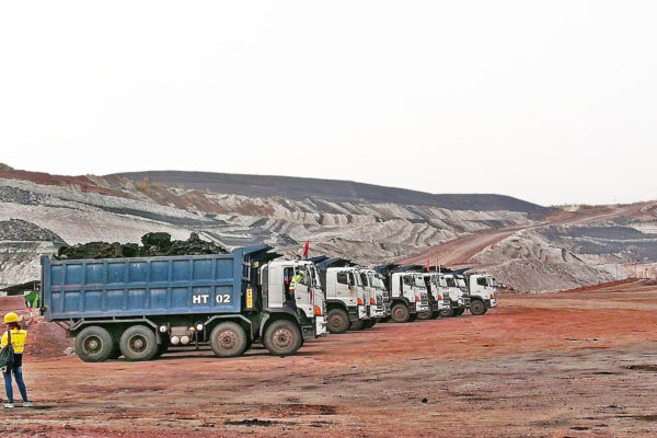 Sahakol Equipment Increase Mining Scale in Hongsa